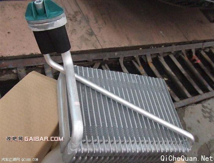 开膛破肚 帕萨特领驭更换暖风水箱和蒸发器