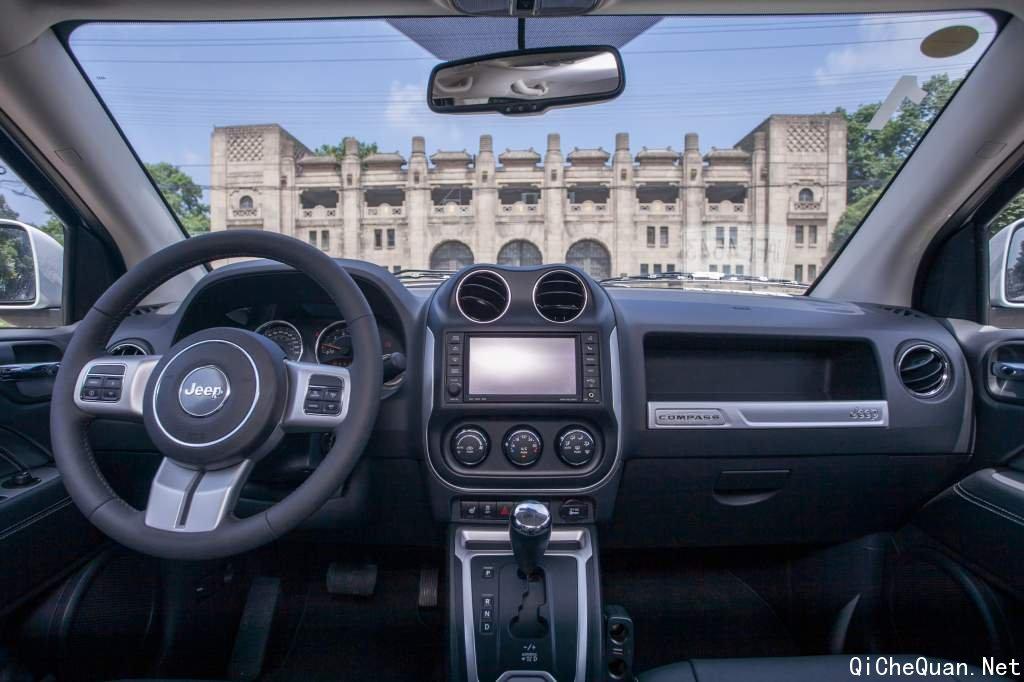 进口都市suv jeep 指南者金融方案燃情来袭高清图片